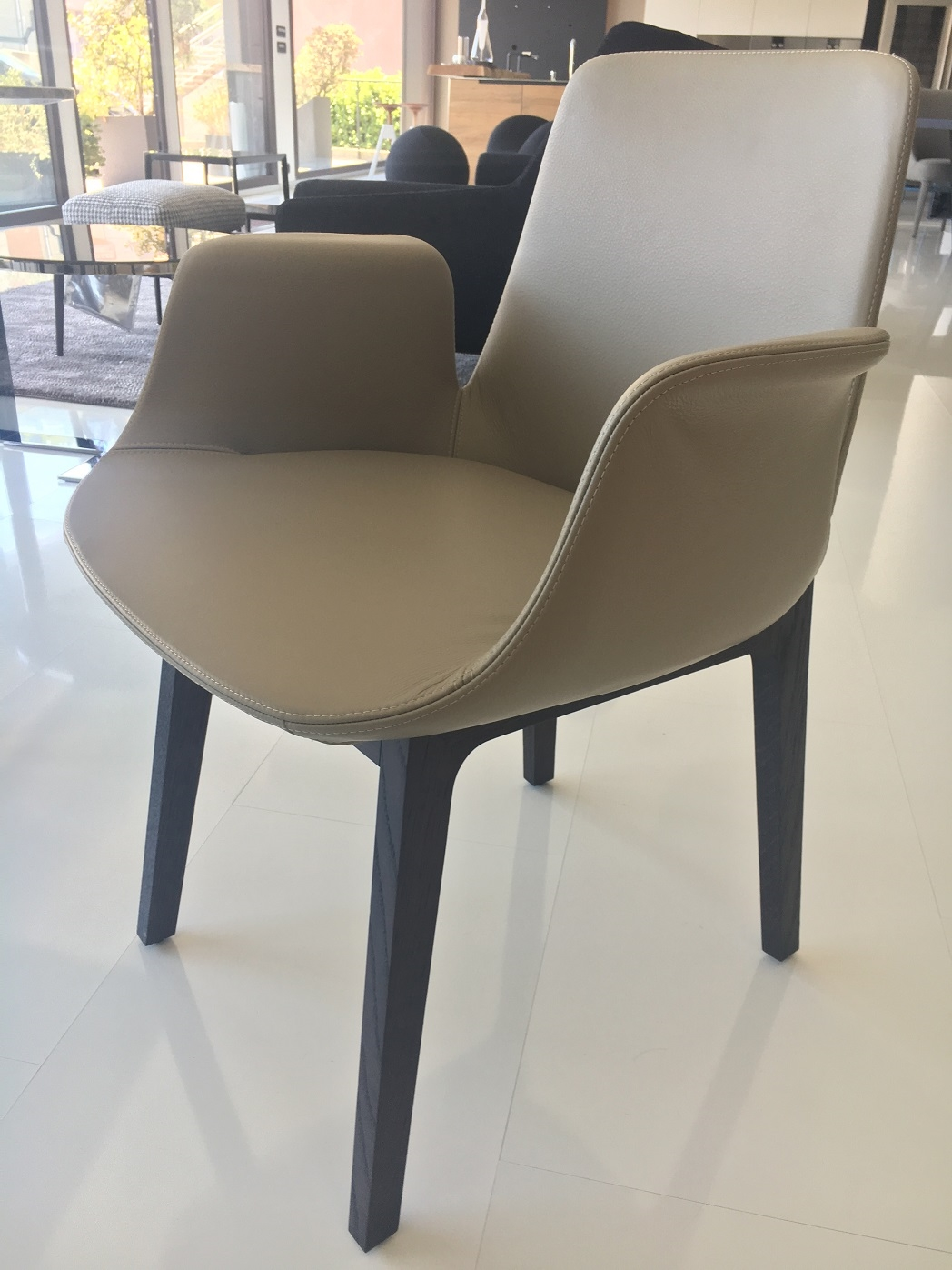 Sedia poliform ventura scontato del 43 sedie a prezzi for Poliform sedie