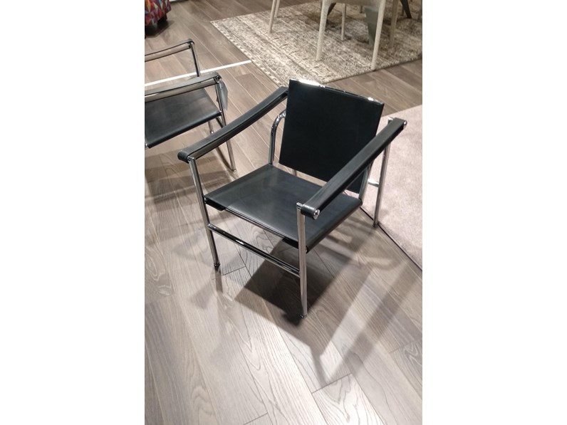 Sedia poltroncina lc1 cassina in offerta outlet for Mobili cassina outlet