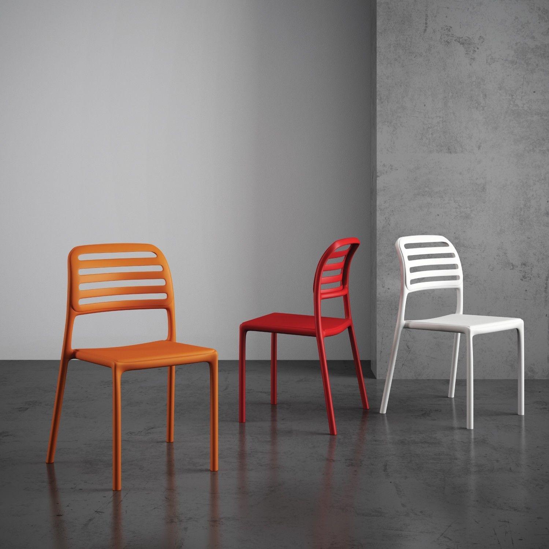 Sedia spring in polipropilene impilabile e colorata per - Sedia polipropilene impilabile ...