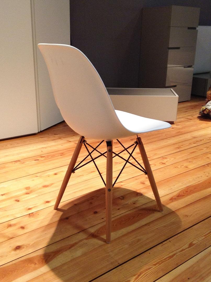 sedia tipo vitra plastic side chair di charles eames