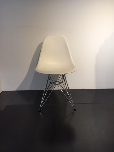 Sedia vitra eames basamento cromato sedie a prezzi scontati for Sedie vitra ufficio