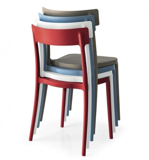 Sedia yuri impilabile in polipropilene per la cucina e per - Sedie plastica design ...