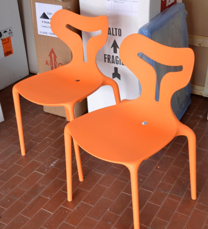 Sedie arancioni area51 sedie a prezzi scontati for Sedie arancioni