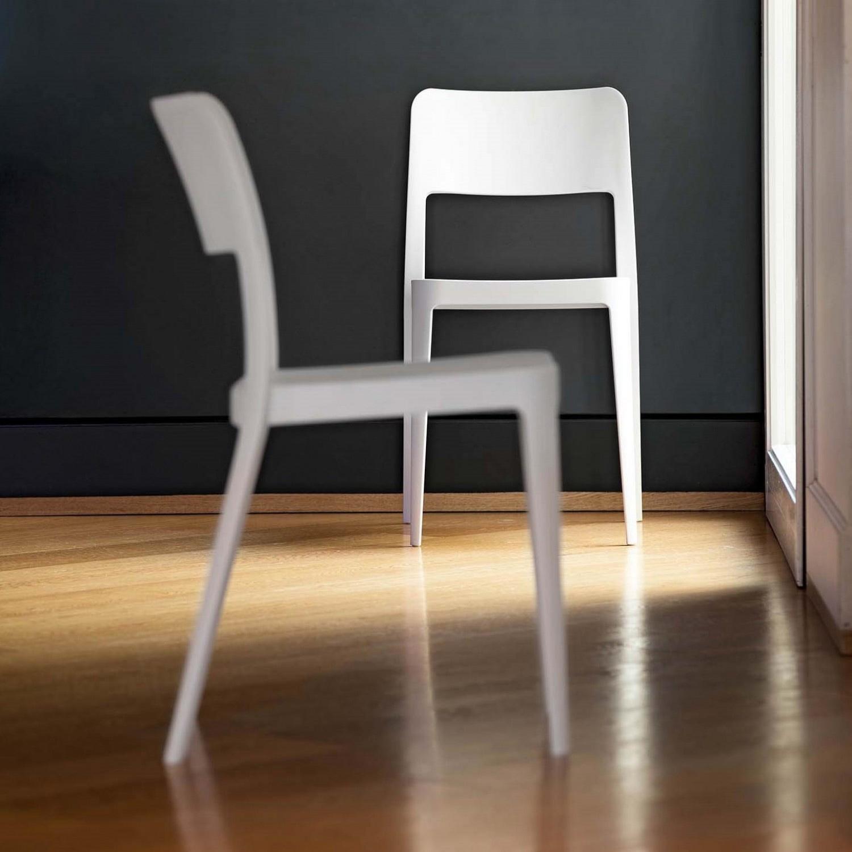 Sedie impilabili modello gege scontate del 30 sedie a for Sedie impilabili