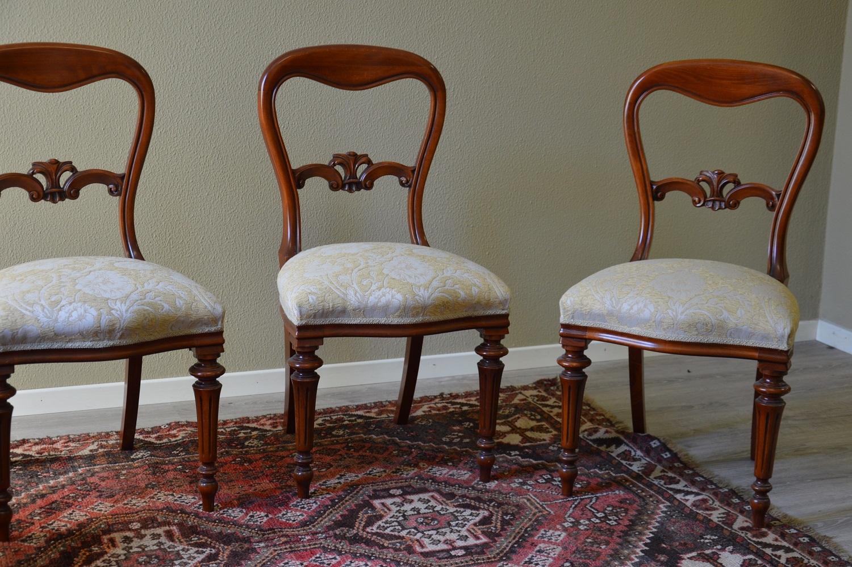 Sedie In Stile Per Sala Da Pranzo Di Produzione Artigianale Le Sedie  #663D30 1500 997 Sedie Da Sala Da Pranzo Usate