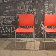 Sedie Desalto Sand  struttura in alluminio pressofuso, seduta e schienale in polipropilene.  Offerta Outlet Mobilgross. Scontate del -40%