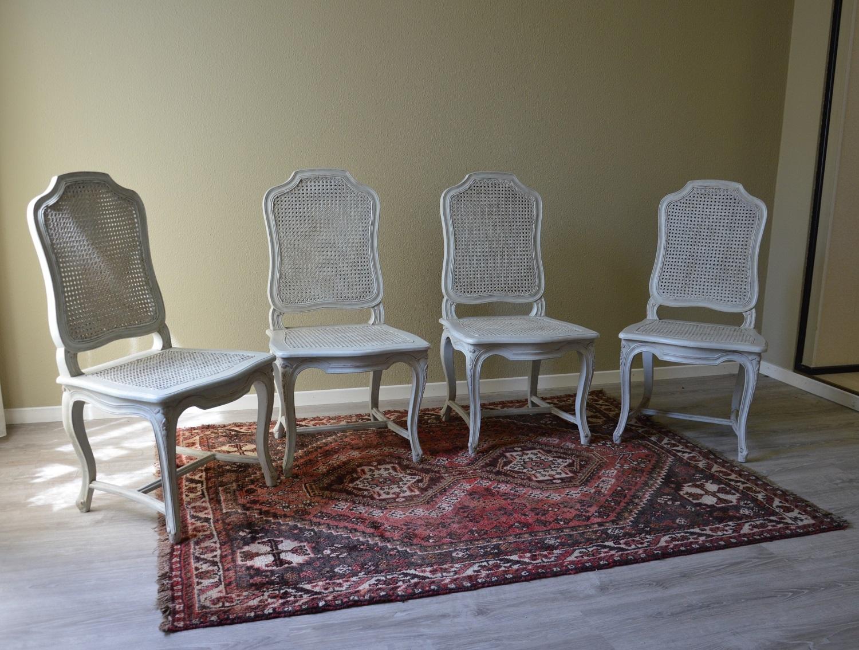 Sedie modello provenza in legno massello scontate del for Sedie da soggiorno