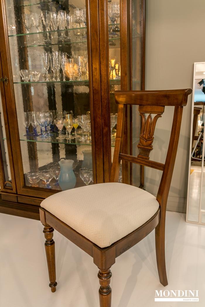 Set 4 sedie classiche le fablier scontate sedie a prezzi for Sedie da pranzo economiche