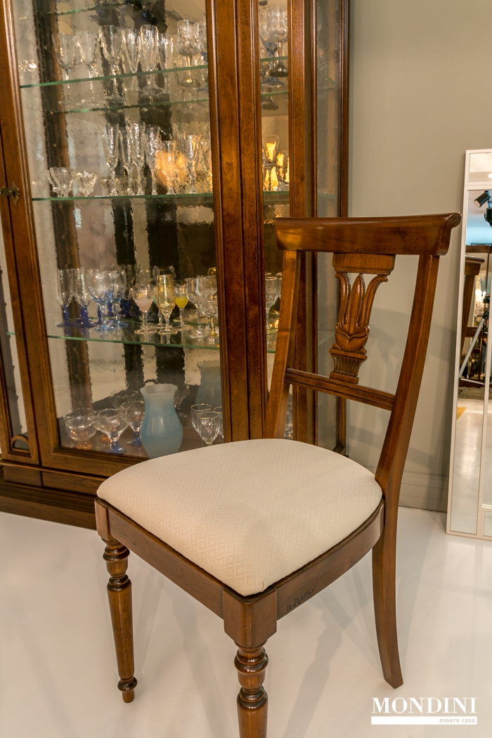 Set 4 sedie classiche le fablier scontate sedie a prezzi - Sedie per sala da pranzo ...