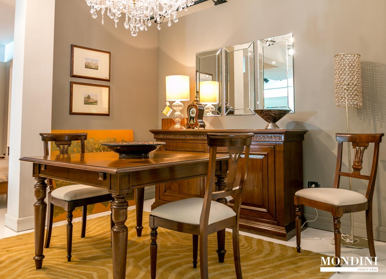 Set 4 sedie classiche le fablier scontate sedie a prezzi for Tavoli e sedie da soggiorno prezzi