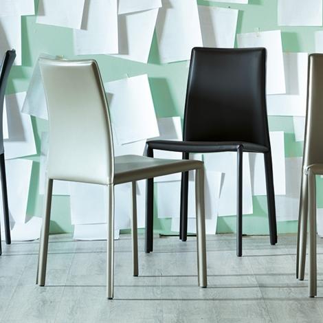 Set di 4 sedie in cuoio design by miniforms nuove a for Sedie cuoio prezzi