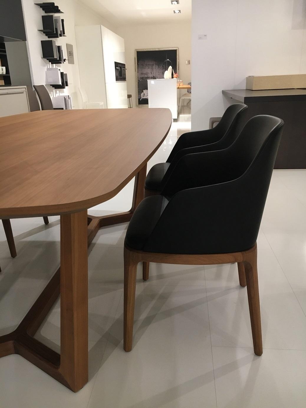 Set di 4 sedie poliform modello grace con braccioli for Poliform sedie