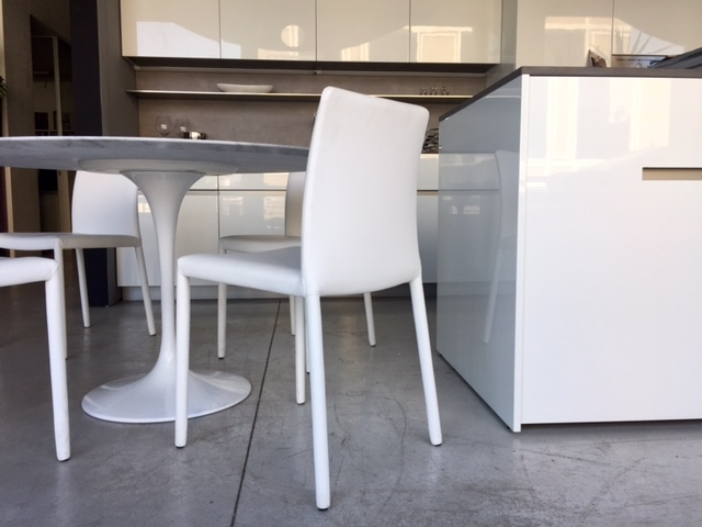 Set n 4 sedie fiam italia modello kelly in ecopelle for Sedie a poltroncina