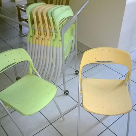 Set sedie pieghevoli sedie a prezzi scontati for Sedie gialle