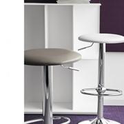 Sgabello Connubia modello Roll. Sgabello con struttura in metallo e sedile in tessuto ekos disponibile in vari colori.