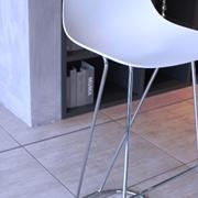 Sgabello Infiniti, modello Pure Loop Mini Dandy.