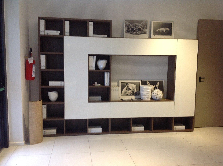 Soggiorno libreria a spalla soggiorni a prezzi scontati for Mobili angolari ikea