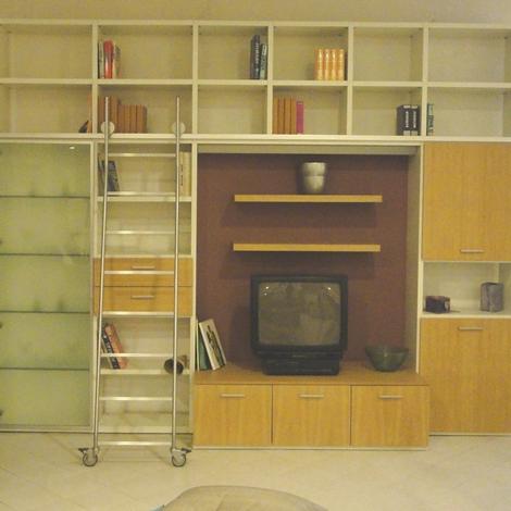 Soggiorno libreria con scala occasione soggiorni a - Scala soggiorno ...