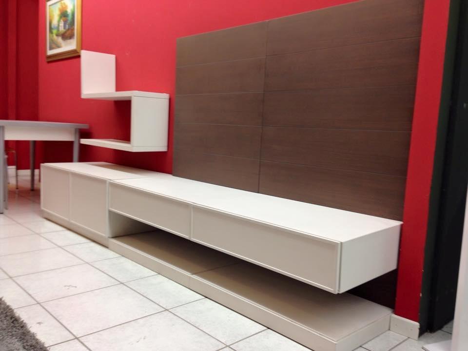 Mobile soggiorno bianco lucido mobili tv bianco migliore for Il mobile arredamenti