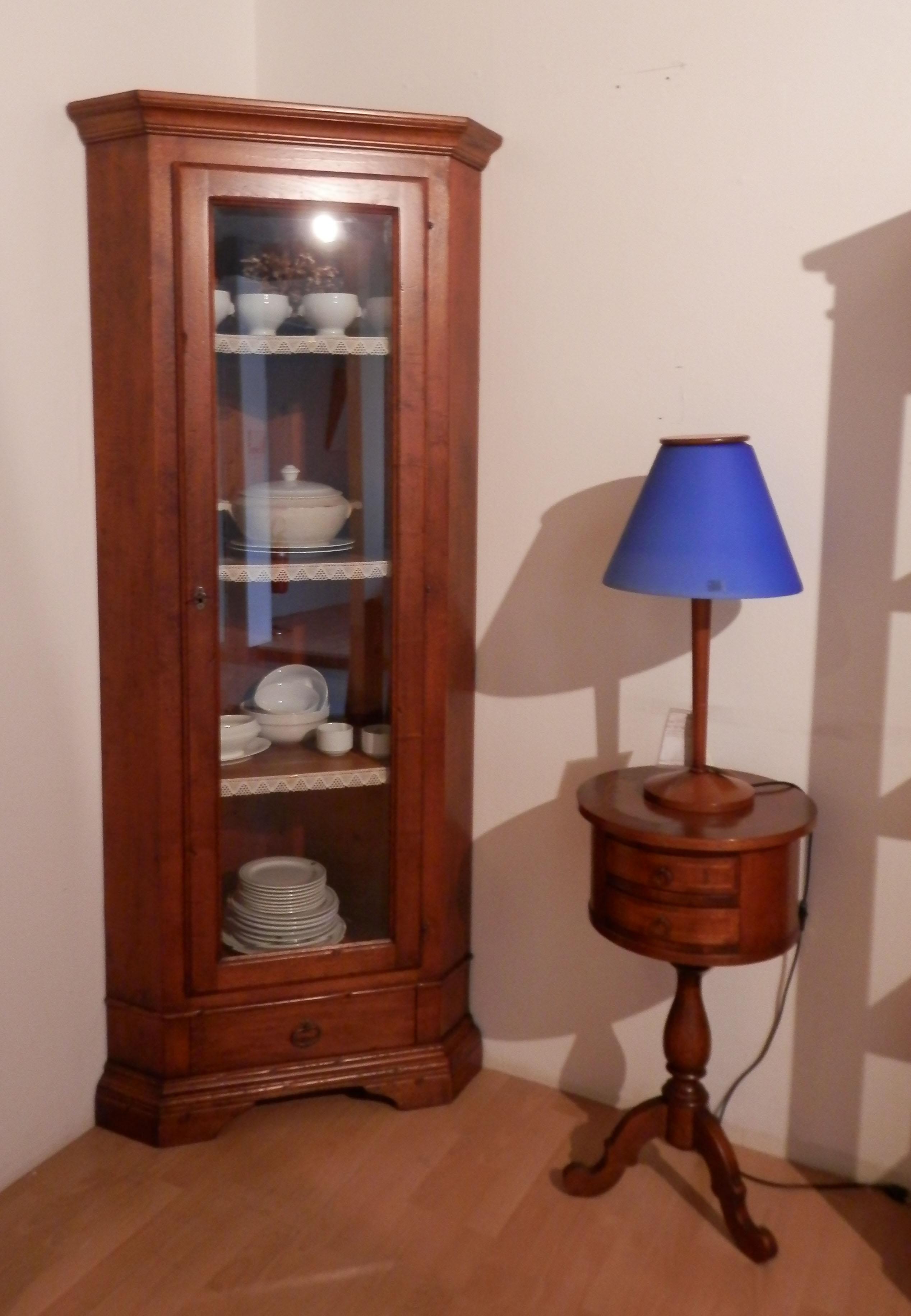 Angoliera con vetrinetta la cascina del mobile soggiorni for Arredamento cascina