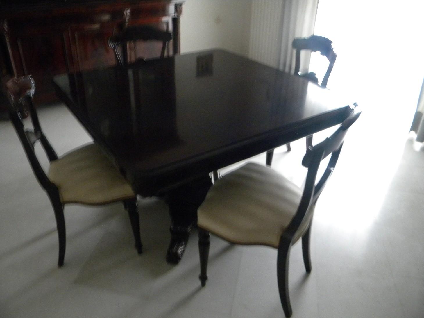 Tavolo quadrato piuma di mogano con sedie - Soggiorni a prezzi scontati
