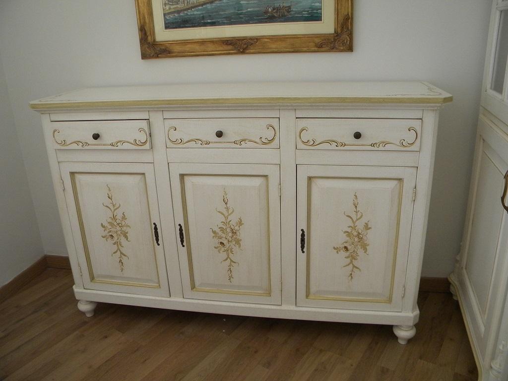 ... decorata in legno massello dabete - Soggiorni a prezzi scontati