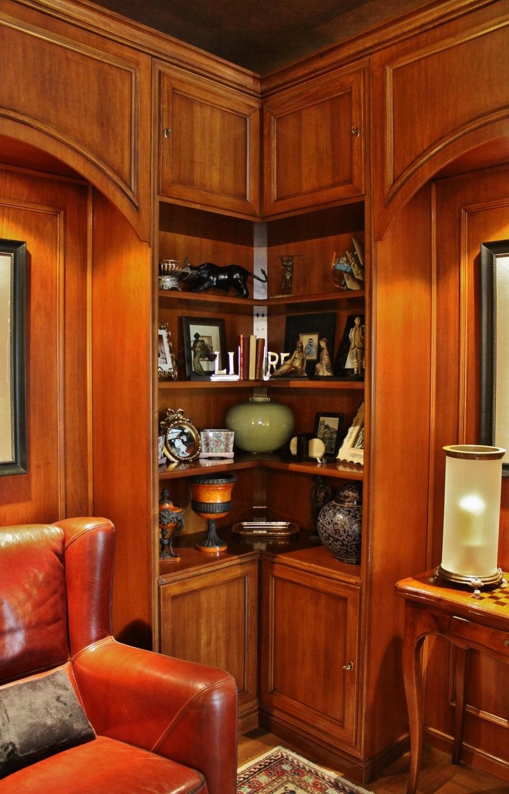 Composizione boiserie realizzata in legno artigianale in for Boiserie prezzi