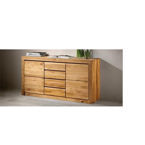 ... interamente costruito in legno massello di rovere selezionato con