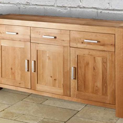 Credenza cucina soggiorno 3 ante 3 cassetti in legno massello di rovere soggiorni a prezzi - Dipingere ante cucina in legno ...