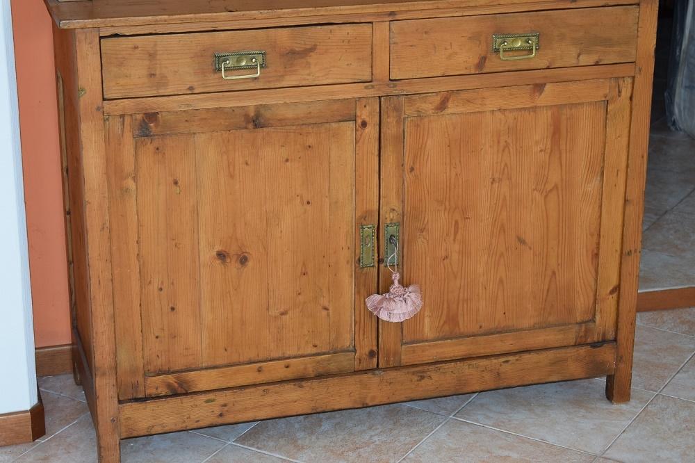 Credenza della nonna in legno antica soggiorni a prezzi scontati - Soggiorni in legno ...
