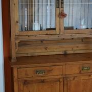 Credenza vetrinetta antica in legno antico di abete restaurata