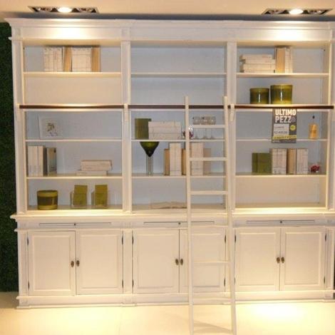 libreria a parete con scaletta soggiorni a prezzi scontati