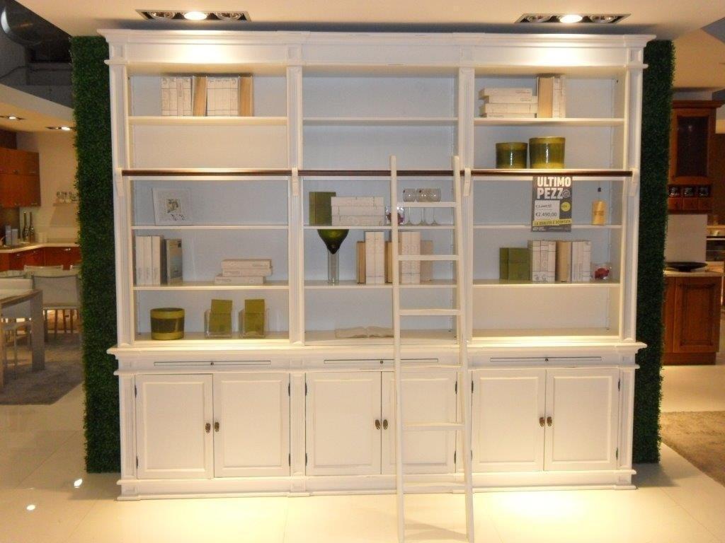 Libreria a parete con scaletta soggiorni a prezzi scontati - Mobile libreria a parete ...