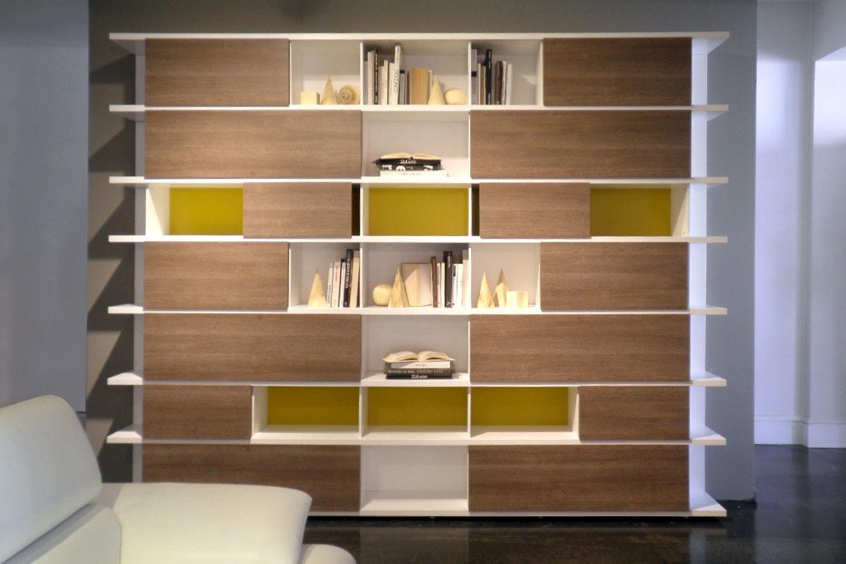 Libreria a parete moderna soggiorni a prezzi scontati for Parete decorata moderna
