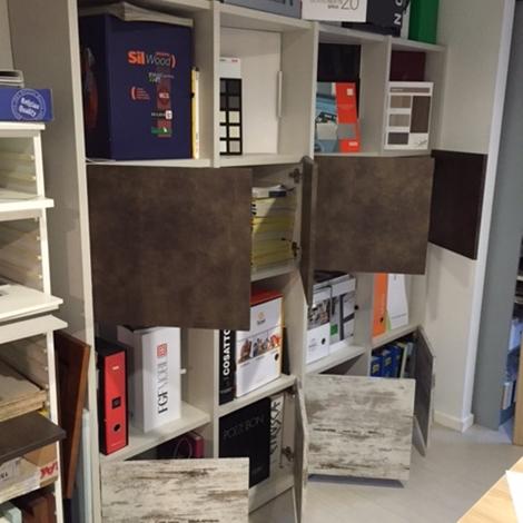 Soggiorno libreria area arredamenti laminato materico for Area arredamenti