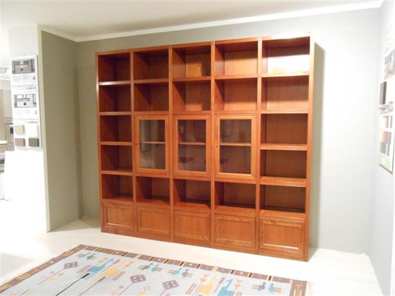 Libreria in legno ciliegio con vetrine