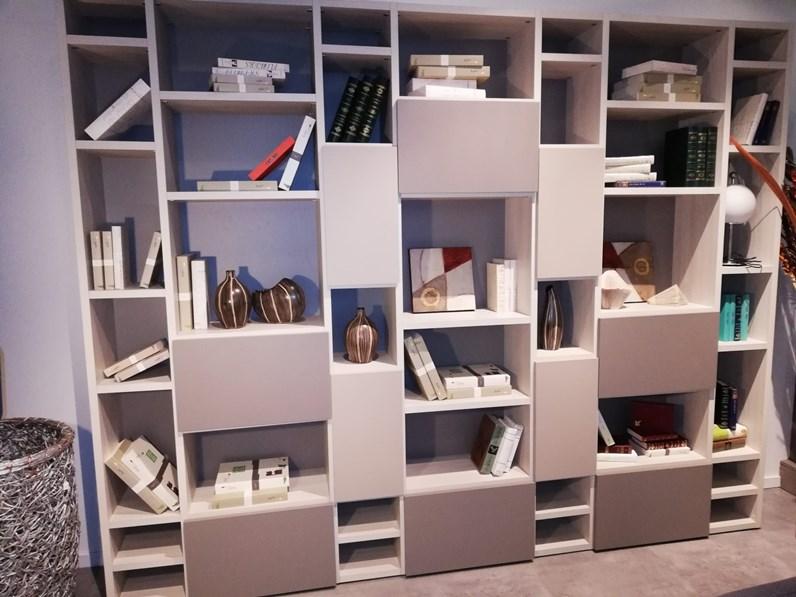 Libreria cinquanta3 in laminato opaco libreria a prezzo outlet for 2000 arredamenti cesano maderno