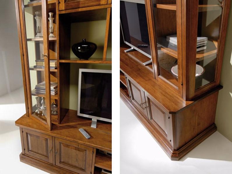 libreria classica in legno con vetrinette e vano porta tv