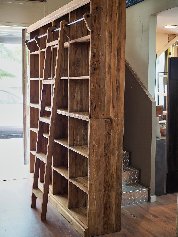 Libreria convenienza modulare in legno di noce suar for Libreria modulare