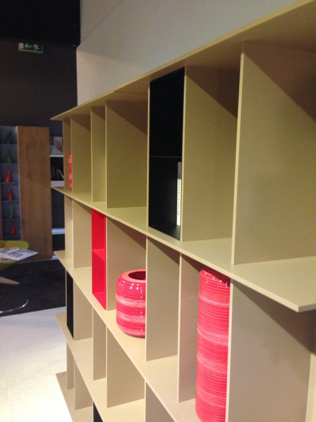 Libreria by calligaris scontato del 37 soggiorni a for Soggiorno libreria