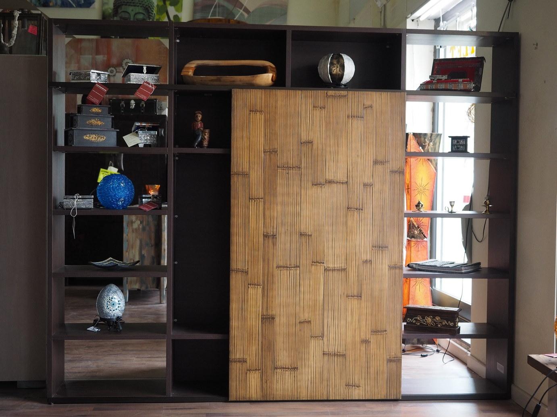 Libreria etnico moderna con anta scorrevole in legno vano portatv in offerta soggiorni a - Parete mobile scorrevole ...