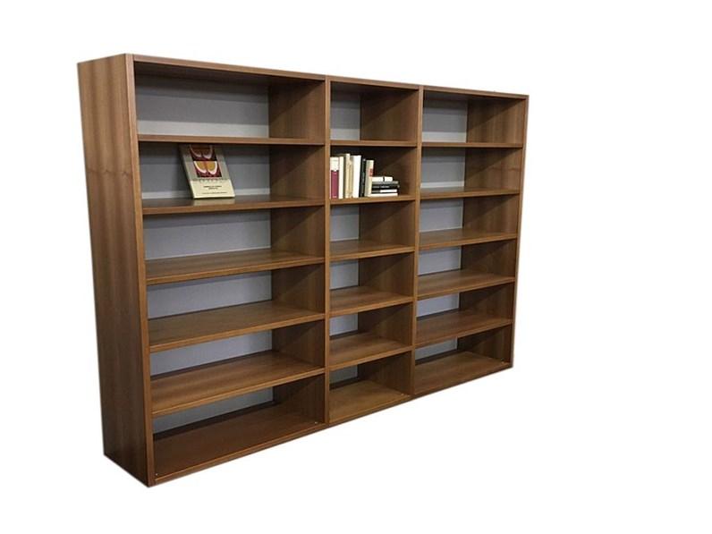 Foto Di Librerie In Legno.Libreria In Legno Stile Moderno Gavazzi Di Distribuzione Grandi Marchi