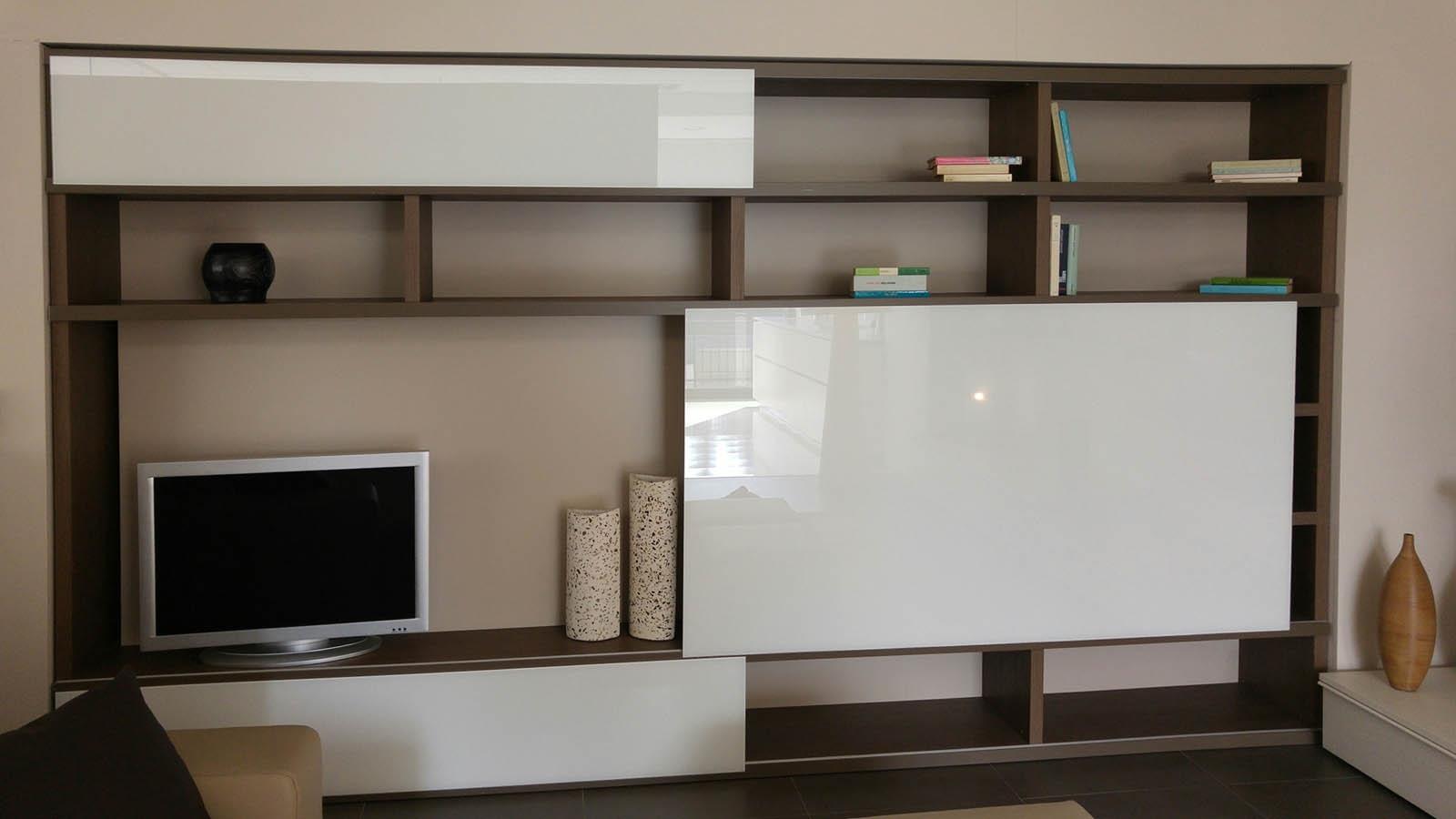 Arredamento librerie moderne tra le librerie ikea pi - Libreria con ante ikea ...