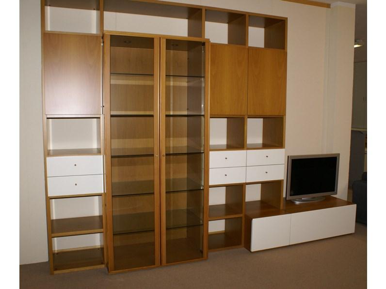 Libreria surprise in legno noce e laccato bianco di olivieri for Olivieri arredamenti