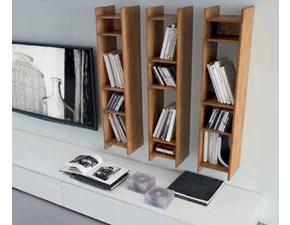 Parete attrezzata in legno con libreria e porta tv for Mobili modo10 prezzi