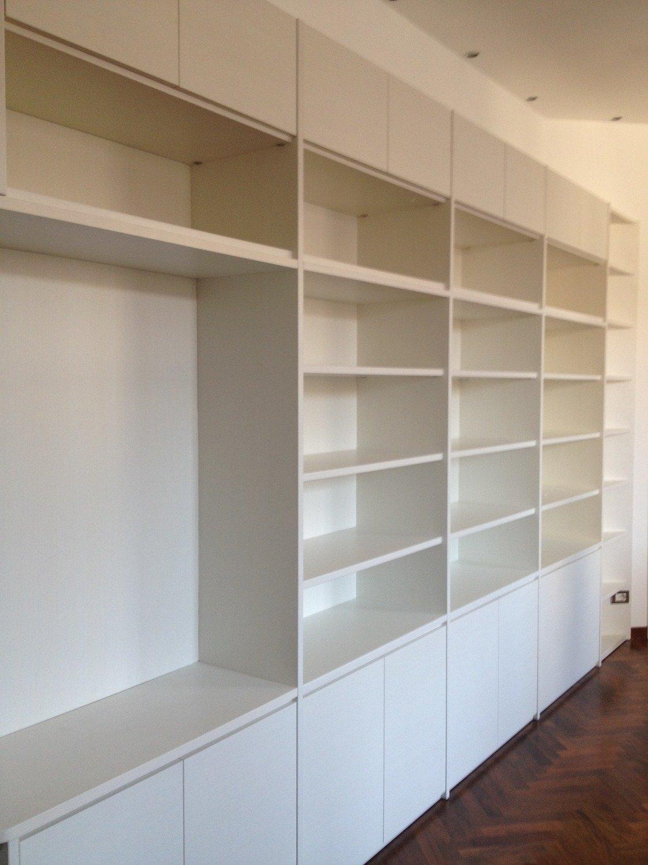 Librerie a giorno su misura 3142 soggiorni a prezzi scontati for Librerie angolari