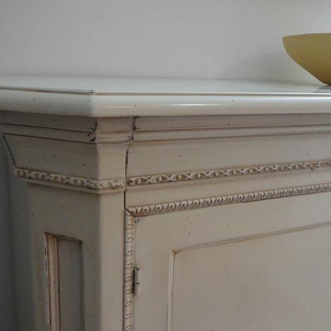 outlet Madia in legno patinato bianco scontata del -50%