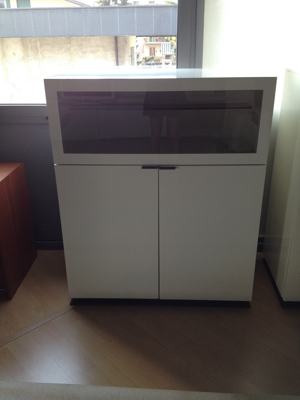 Madie moderne cheap madia due ante rovere with madie for Madie moderne economiche