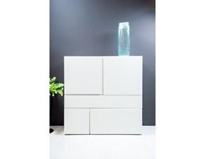 Madia Quadra Pianca laccata bianco opaco in stile design a prezzo scontato