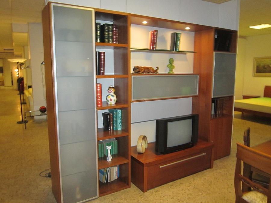 Soggiorno mida 2 cortese impiallacciato ciliegio legno for Arredamento soggiorno moderno in legno